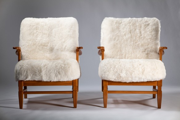 PAIR OF ARE ARMCHAIRS
